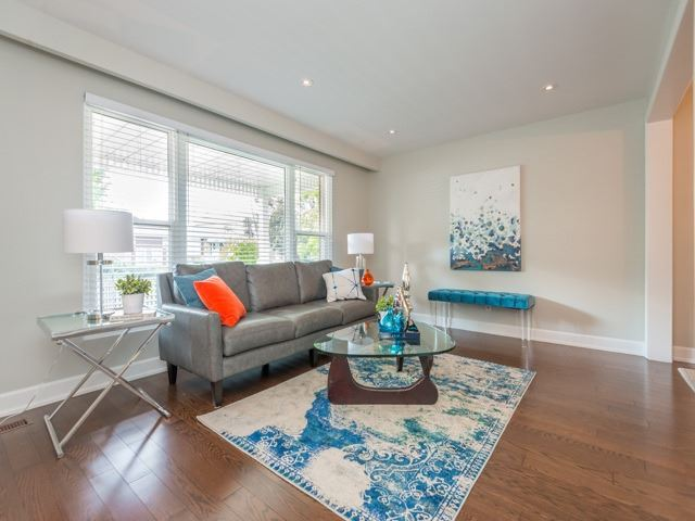 Detached at 533 Rupert Ave, Whitchurch-Stouffville, Ontario. Image 12