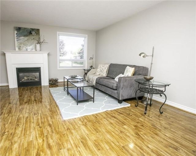 Detached at 58 William Roe Blvd, Newmarket, Ontario. Image 17