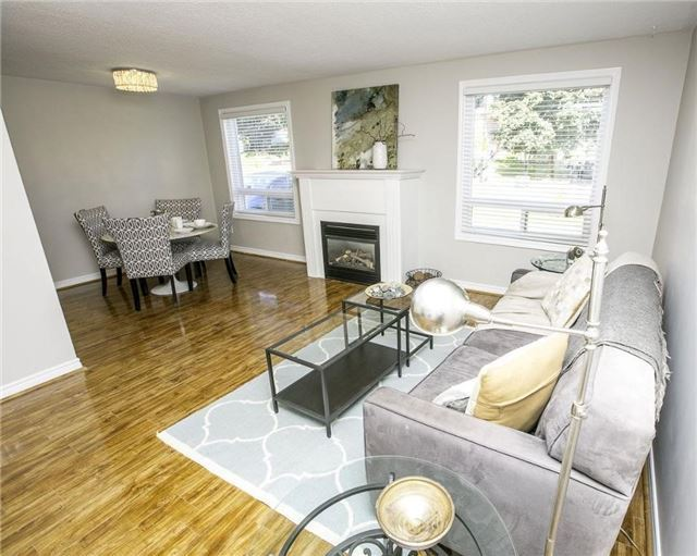 Detached at 58 William Roe Blvd, Newmarket, Ontario. Image 18