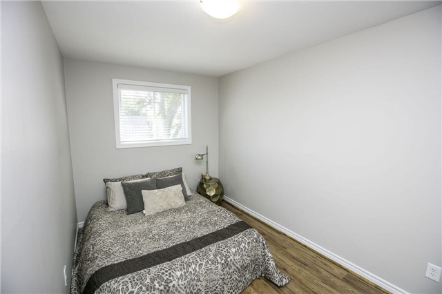 Detached at 58 William Roe Blvd, Newmarket, Ontario. Image 2