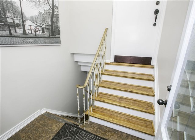 Detached at 58 William Roe Blvd, Newmarket, Ontario. Image 4