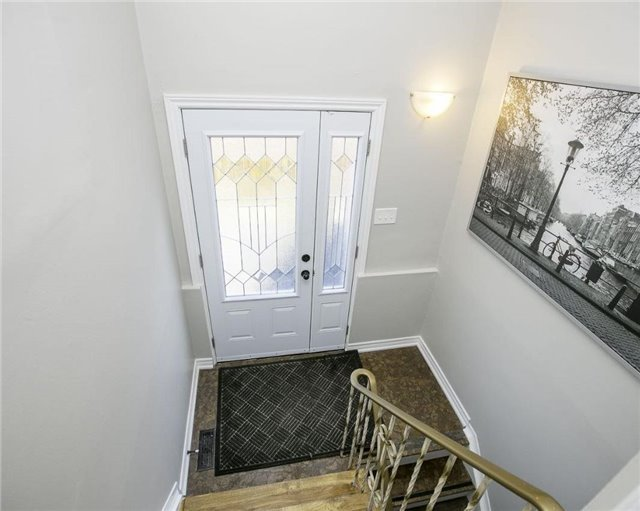 Detached at 58 William Roe Blvd, Newmarket, Ontario. Image 5