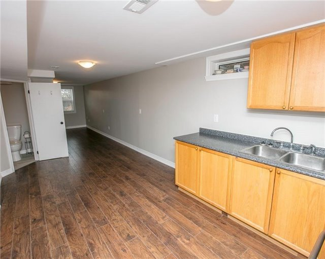 Detached at 58 William Roe Blvd, Newmarket, Ontario. Image 6