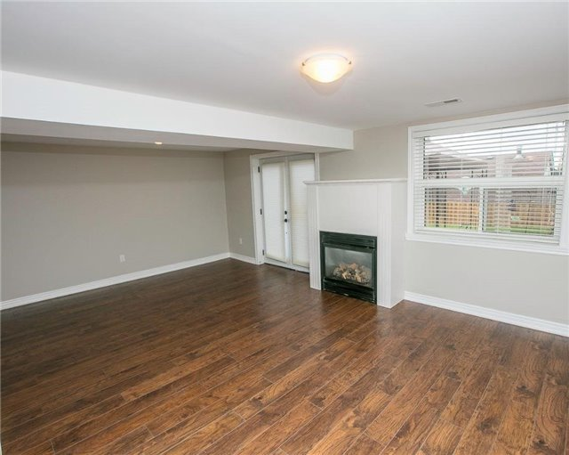 Detached at 58 William Roe Blvd, Newmarket, Ontario. Image 7