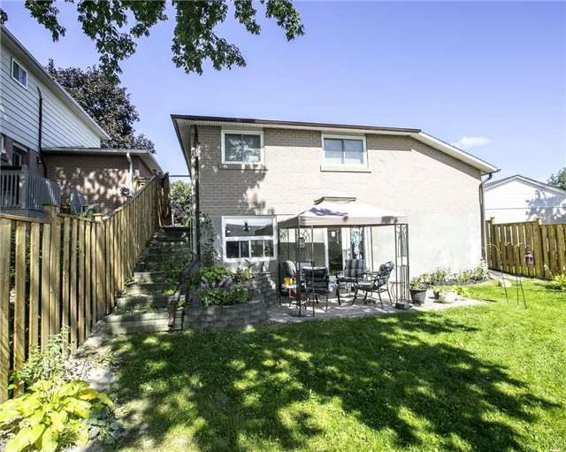 Detached at 58 William Roe Blvd, Newmarket, Ontario. Image 11