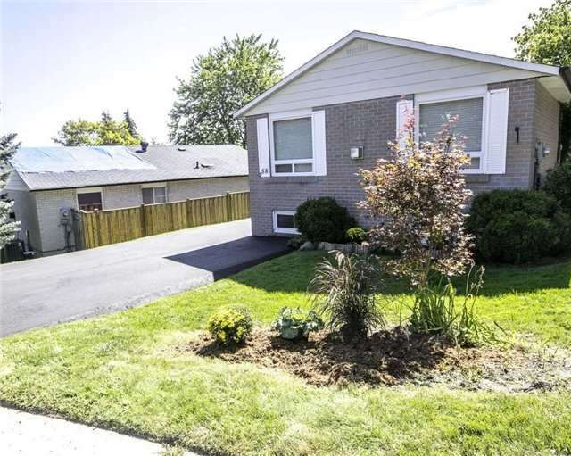 Detached at 58 William Roe Blvd, Newmarket, Ontario. Image 13