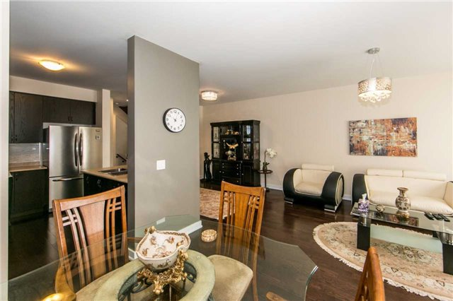 Townhouse at 105 Dariole Dr, Richmond Hill, Ontario. Image 15