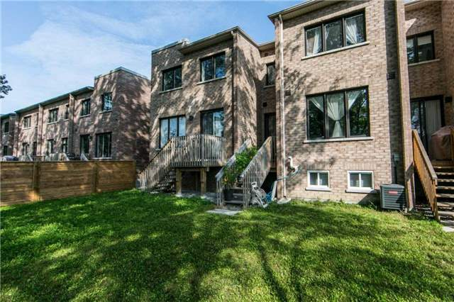 Townhouse at 105 Dariole Dr, Richmond Hill, Ontario. Image 8