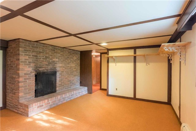 Detached at 18475 Centre St, East Gwillimbury, Ontario. Image 5