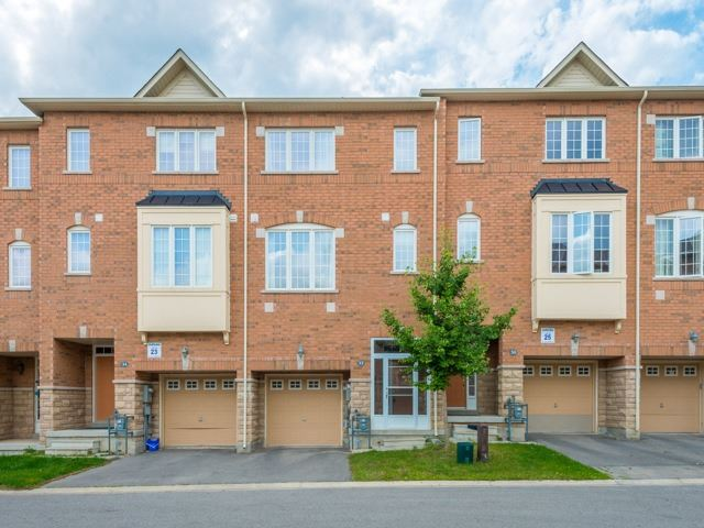 Townhouse at 151 Silverwood Ave, Unit Unit 32, Richmond Hill, Ontario. Image 1