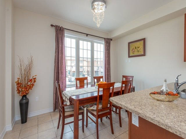 Townhouse at 151 Silverwood Ave, Unit Unit 32, Richmond Hill, Ontario. Image 2