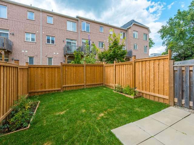 Townhouse at 151 Silverwood Ave, Unit Unit 32, Richmond Hill, Ontario. Image 11