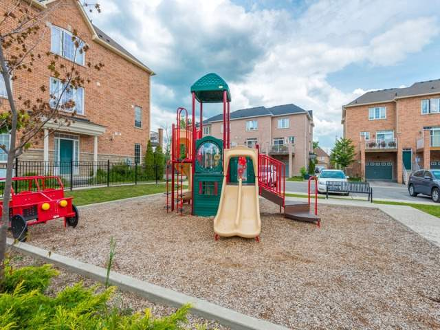Townhouse at 151 Silverwood Ave, Unit Unit 32, Richmond Hill, Ontario. Image 13