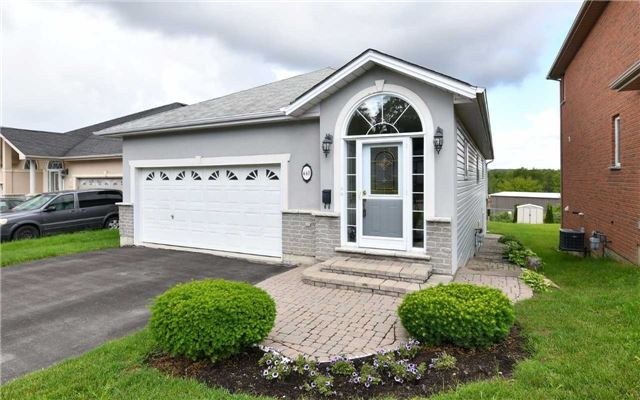 Detached at 448 Oak St, Newmarket, Ontario. Image 12