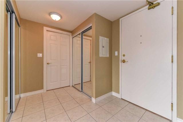 Condo Apartment at 22 James Hill Crt, Unit 216, Uxbridge, Ontario. Image 6