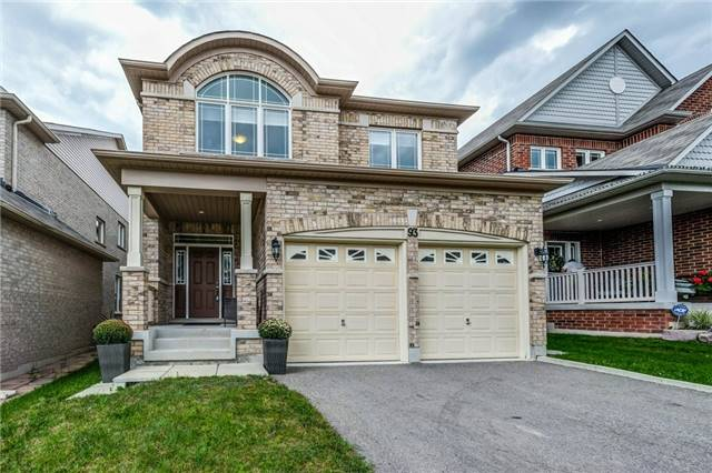 Detached at 93 Old Field Cres, Newmarket, Ontario. Image 1