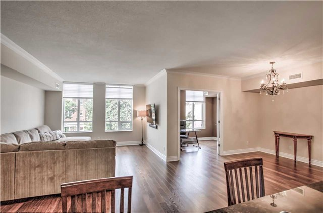 Condo Apartment at 10101 Yonge St, Unit 307, Richmond Hill, Ontario. Image 9