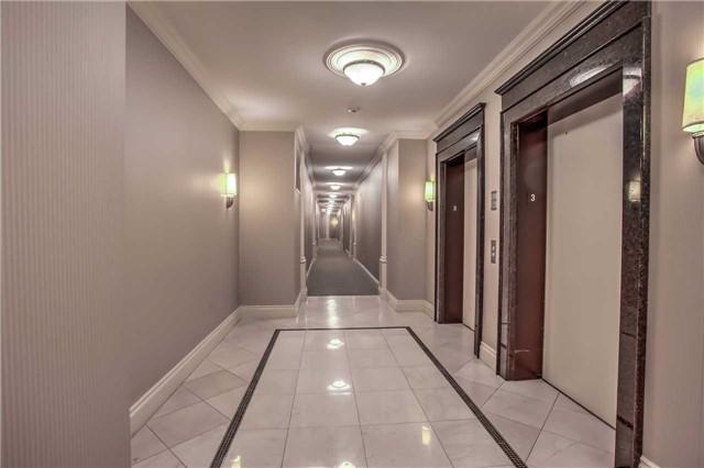 Condo Apartment at 10101 Yonge St, Unit 307, Richmond Hill, Ontario. Image 3