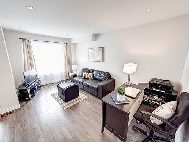 Townhouse at 342 Spruce Grove Cres, Newmarket, Ontario. Image 15