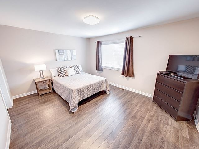 Townhouse at 342 Spruce Grove Cres, Newmarket, Ontario. Image 4