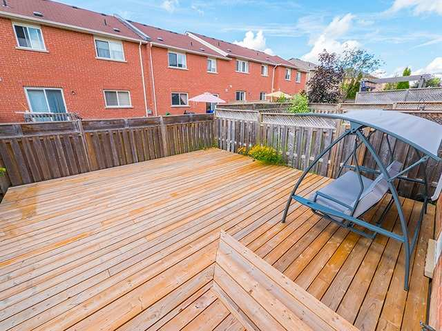 Townhouse at 342 Spruce Grove Cres, Newmarket, Ontario. Image 9
