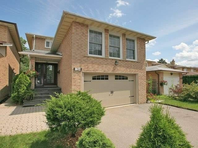 Detached at 154 Greenbelt Cres, Richmond Hill, Ontario. Image 1