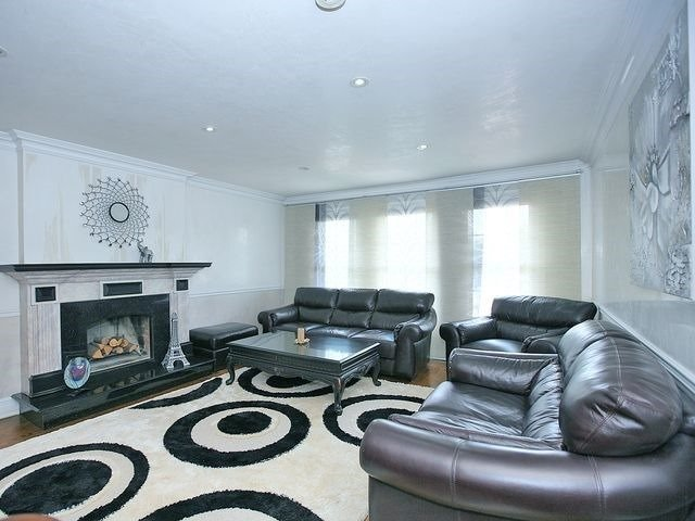 Detached at 154 Greenbelt Cres, Richmond Hill, Ontario. Image 17