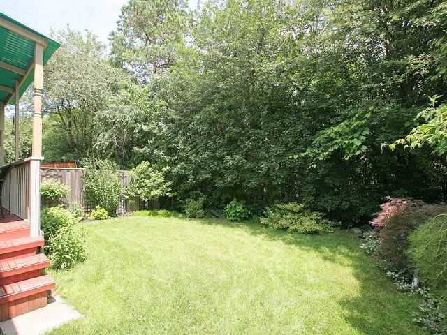 Detached at 154 Greenbelt Cres, Richmond Hill, Ontario. Image 13