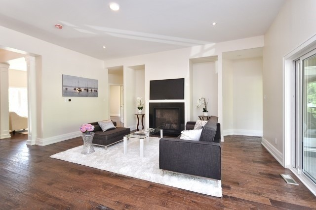 Detached at 4794 Holborn Rd, East Gwillimbury, Ontario. Image 17