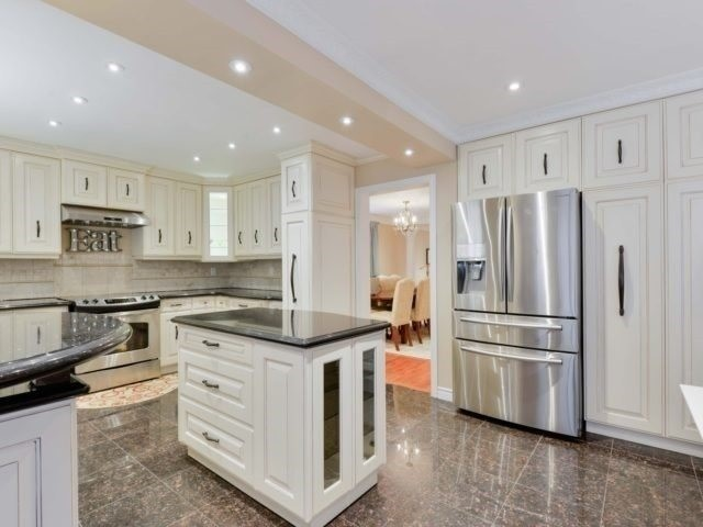 Detached at 290 Mapes Ave, Vaughan, Ontario. Image 17