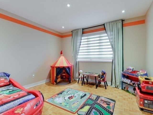 Detached at 290 Mapes Ave, Vaughan, Ontario. Image 7