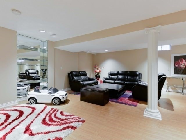 Detached at 290 Mapes Ave, Vaughan, Ontario. Image 8