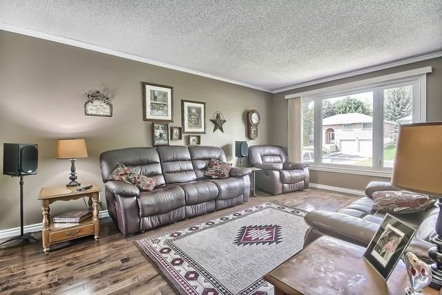 Detached at 26 Imperial Cres, Bradford West Gwillimbury, Ontario. Image 15