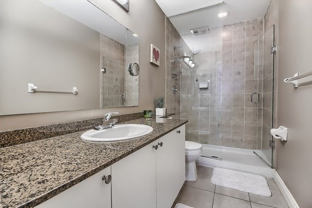 Condo Apartment at 10211 Keele St, Unit 227, Vaughan, Ontario. Image 4