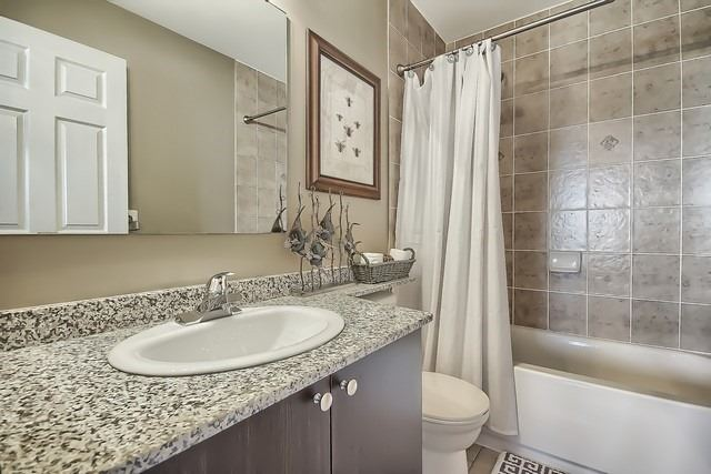 Condo Apartment at 10211 Keele St, Unit 227, Vaughan, Ontario. Image 6