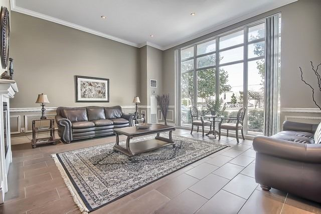 Condo Apartment at 10211 Keele St, Unit 227, Vaughan, Ontario. Image 7