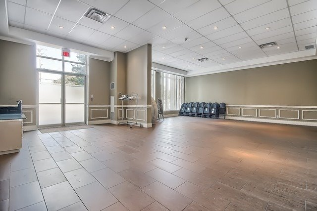 Condo Apartment at 10211 Keele St, Unit 227, Vaughan, Ontario. Image 10