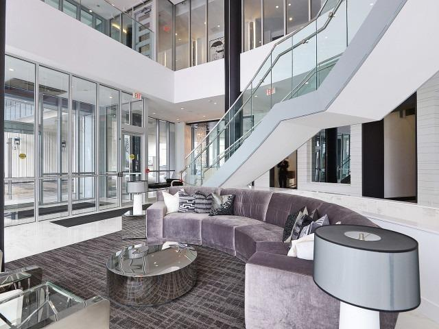Condo Apartment at 9471 Yonge St, Unit 702, Richmond Hill, Ontario. Image 10