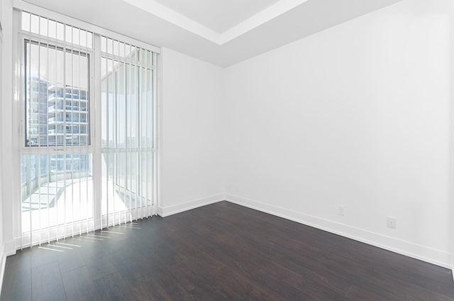 Condo Apartment at 9471 Yonge St, Unit 702, Richmond Hill, Ontario. Image 17