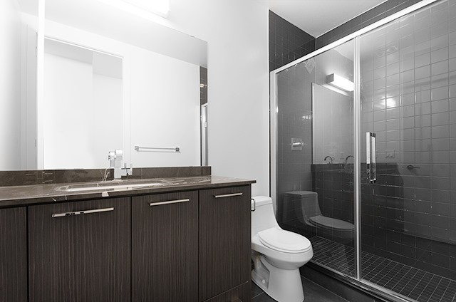 Condo Apartment at 9471 Yonge St, Unit 702, Richmond Hill, Ontario. Image 2