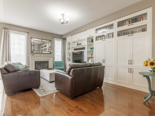 Detached at 11 Pexton Ave, Richmond Hill, Ontario. Image 14