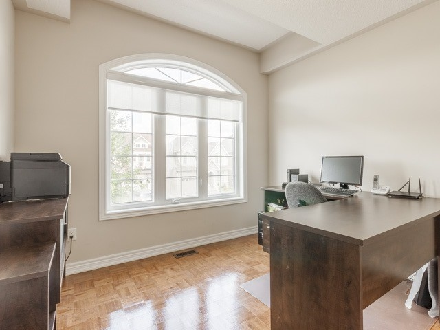 Detached at 11 Pexton Ave, Richmond Hill, Ontario. Image 19