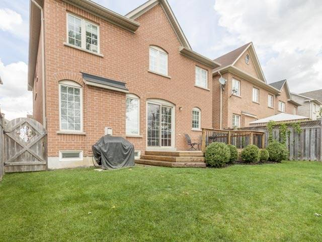 Detached at 11 Pexton Ave, Richmond Hill, Ontario. Image 11
