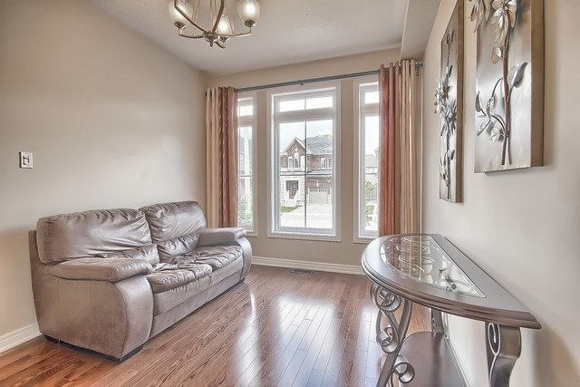 Detached at 41 Heron Hollow Ave, Richmond Hill, Ontario. Image 15