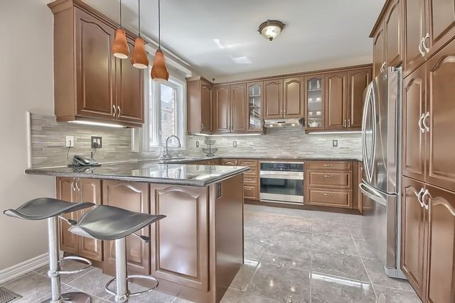 Detached at 41 Heron Hollow Ave, Richmond Hill, Ontario. Image 18