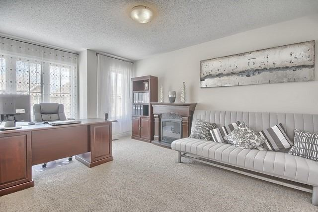 Detached at 41 Heron Hollow Ave, Richmond Hill, Ontario. Image 8