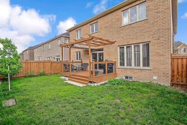 Detached at 41 Heron Hollow Ave, Richmond Hill, Ontario. Image 13