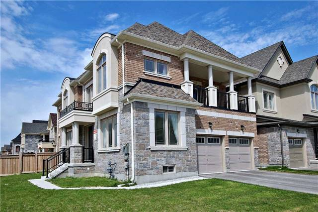 Detached at 410 Hartwell Way, Aurora, Ontario. Image 12