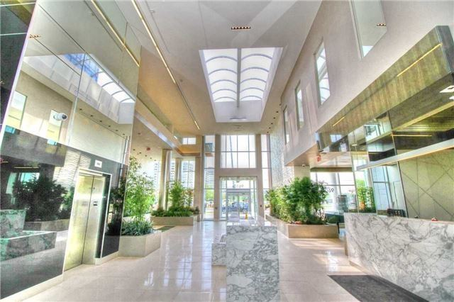 Condo Apartment at 9608 Yonge St, Unit 303A, Richmond Hill, Ontario. Image 2