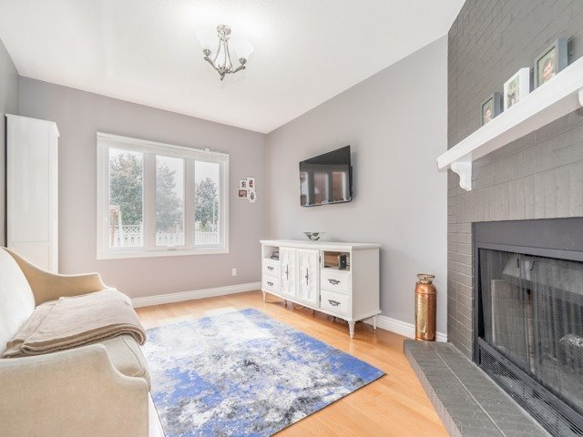 Detached at 28 Cantertrot Crt, Vaughan, Ontario. Image 13